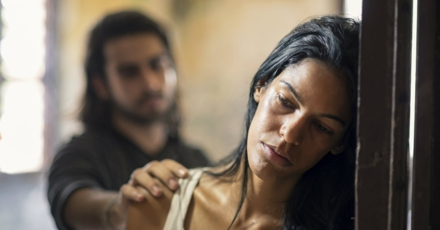 domestic-abuse-couple-violence-1200w-tn